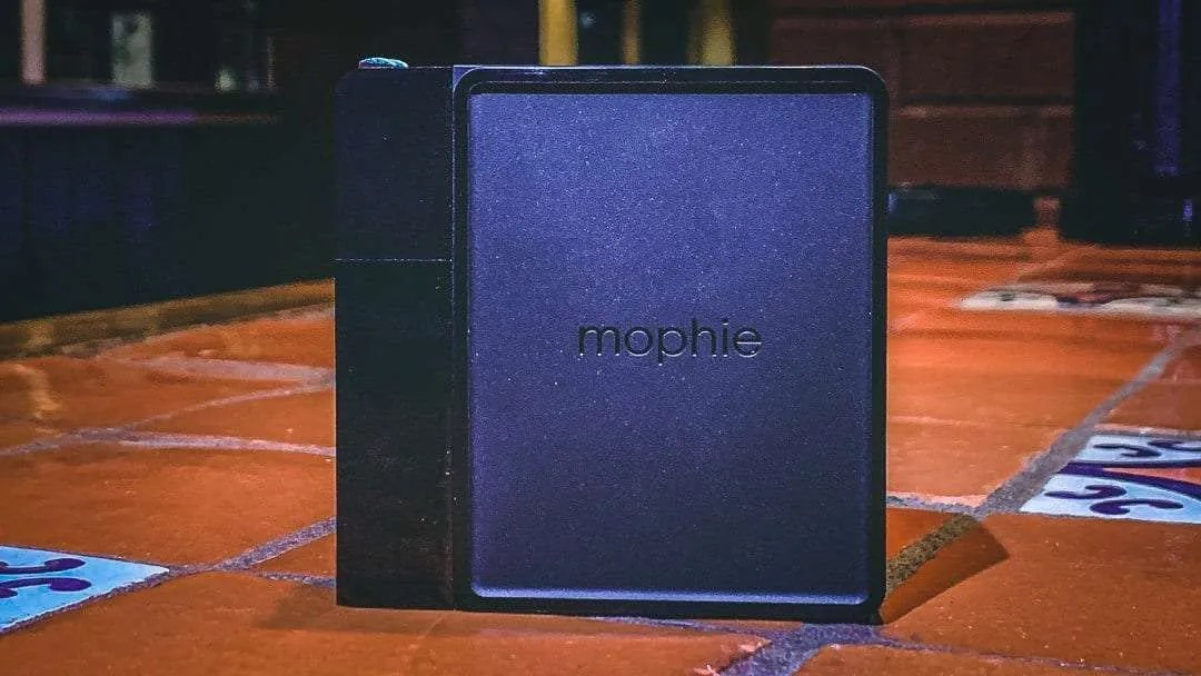 Mophie Powerstation Hub for Qi-Enabled Devices REVIEW