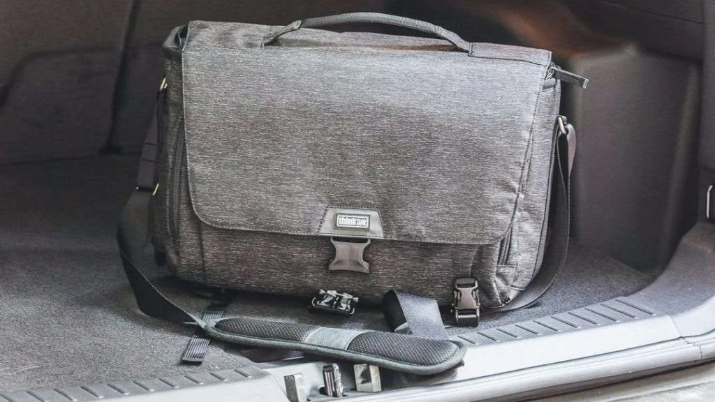 Think Tank Photo Vision 15 Shoulder Bag REVIEW