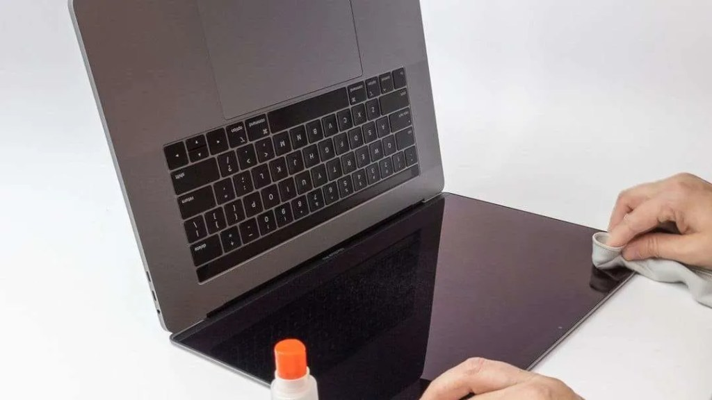 Moshi Umbra Privacy Screen Protector for MacBook Pro REVIEW