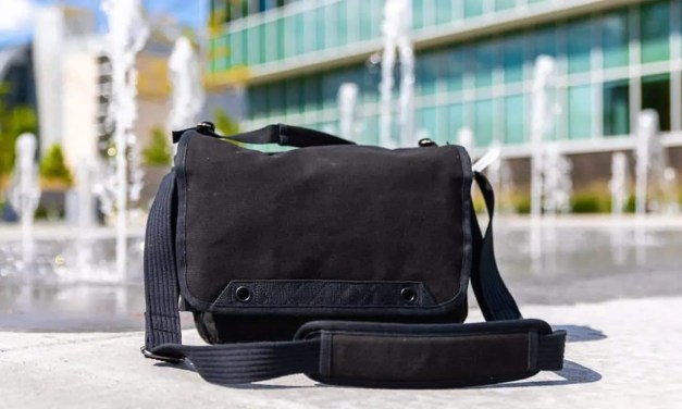 Think Tank Photo Retrospective V2.0 Shoulder Bag in Black REVIEW
