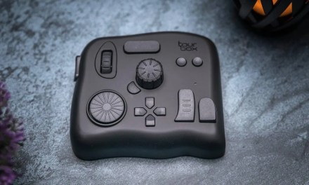 TourBox REVIEW The Perfect Little Addon Controller for Creators