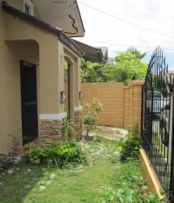 House-261-front-garden