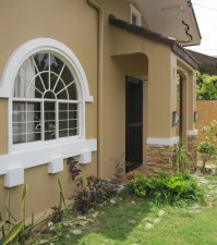 House-261-front-garden2
