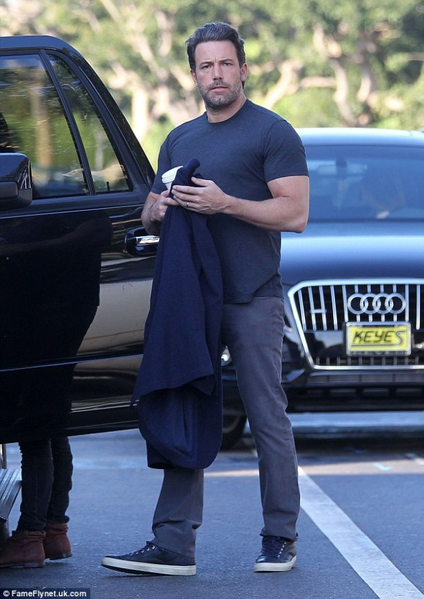 1414518698558_wps_45_Picture_Shows_Ben_Affleck