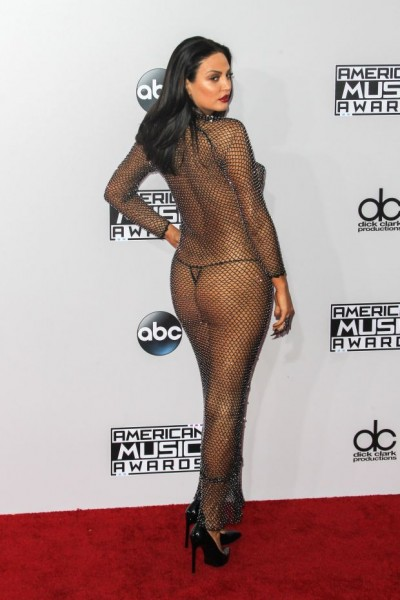 Bleona Qereti leaves little to the imagination at the 2014 American Music Awards!