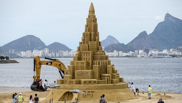 BRAZIL-SAND-CASTLE-GUINESS-RECORDS
