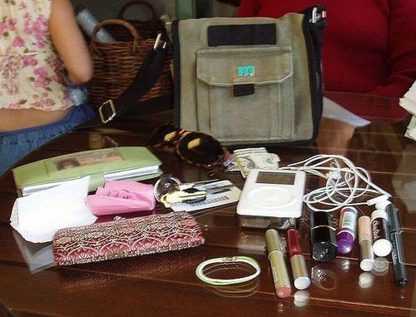 handbag-content_72