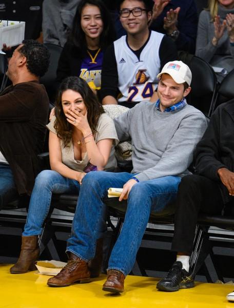Mila-Kunis-Ashton-Kutcher-Lakers-Game-Dec-2014