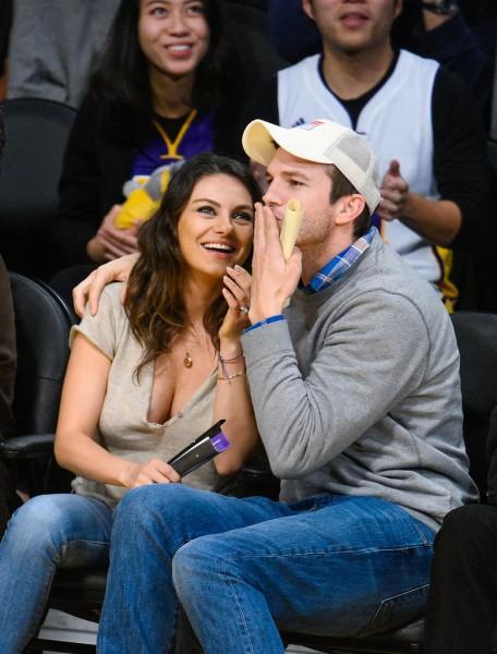 Mila-Kunis-Ashton-Kutcher-Lakers-Game-Dec-20143