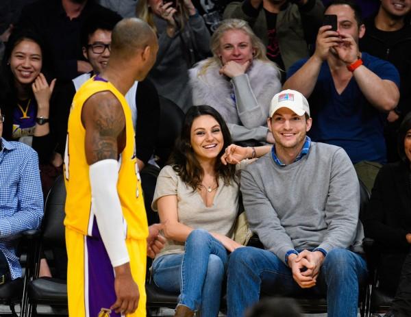 Mila-Kunis-Ashton-Kutcher-Lakers-Game-Dec-201g4