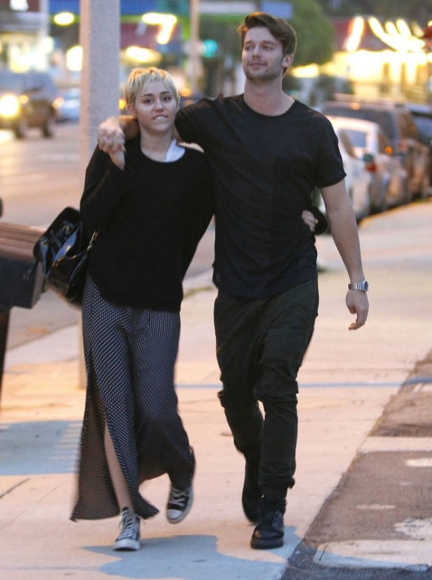Miley-Cyrus-Patrick-Schwarzenegger-Show-PDA-Pictures-1