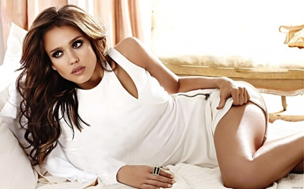 jessica-alba-rolling-out-joi-pearson_8