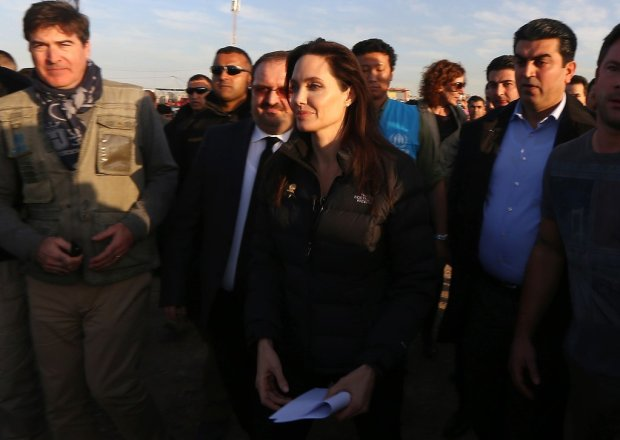 Angelina-Jolie-Refugee-Camp-Iraq-January-2015-4