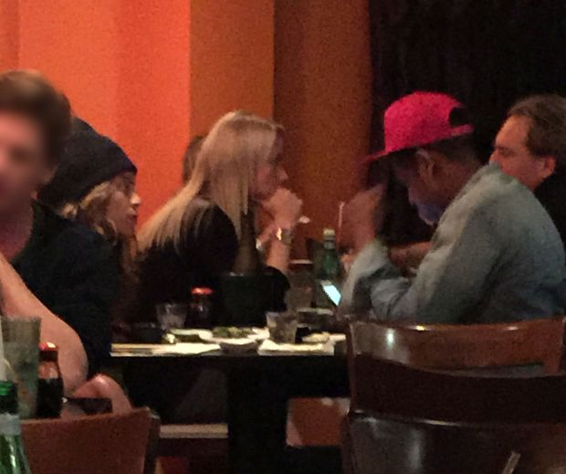 EXCLUSIVE: **PREMIUM EXCLUSIVE RATES** Beyonce looks unhappy as Jay-Z appears to pay more attention to his phone than her while they dine out in LA
