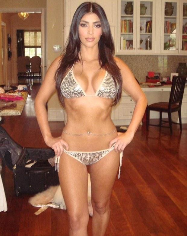 255ffff600000578-2941927-flashback_kim_kardashian_shared_a_throwback_photo_on_thursday_wh-a-24_1423180558797