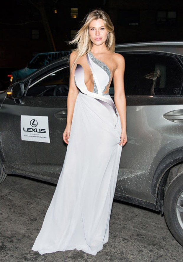samantha-hoopes-dress-sports-illustrated-party-2015-h724