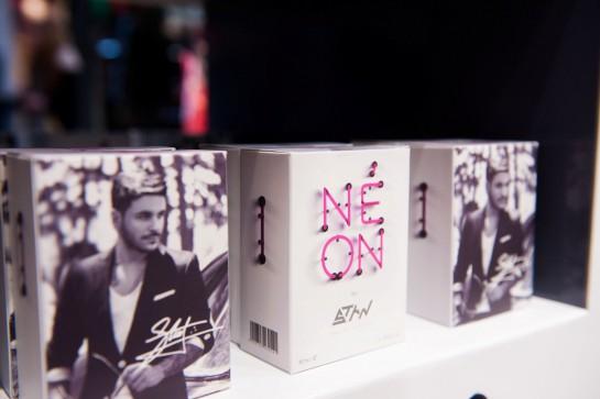 Η συσκευασία του νέου αρώματος NEON by STAN
