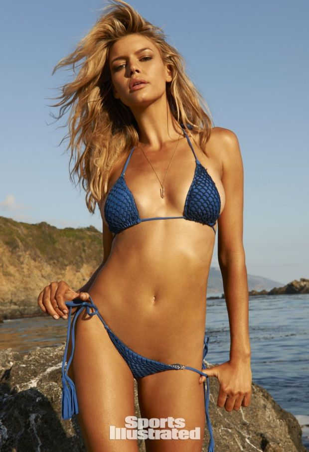 kelly-rohrbach-in-sports-illustrated-swimsuit-2015-issue_1