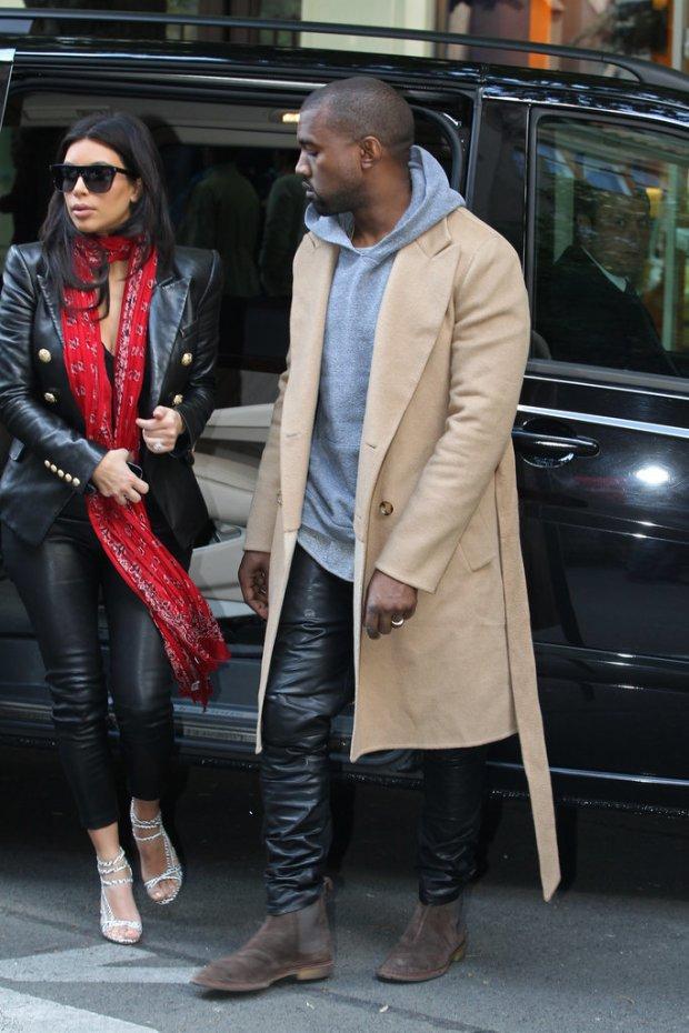 Pictures-Kanye-West-Checking-Out-Kim-Kardashian-5