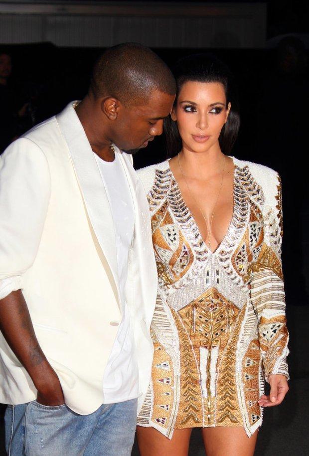 Pictures-Kanye-West-Checking-Out-Kim-Kardashian-8