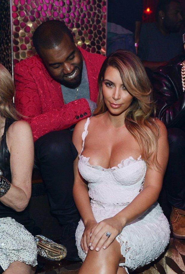 Pictures-Kanye-West-Checking-Out-Kim-Kardashian-9