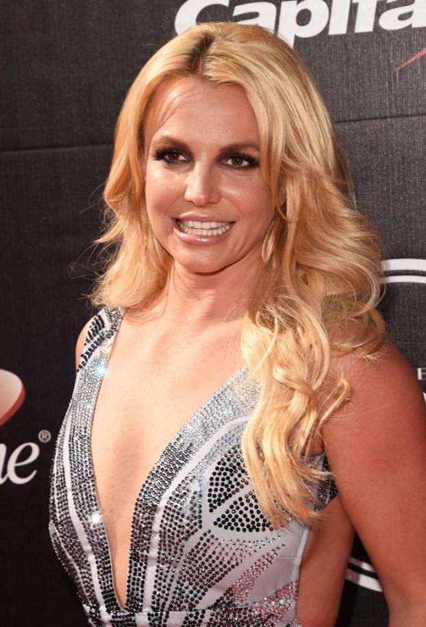 Britney-Spears-ESPY-Awards-2015-4