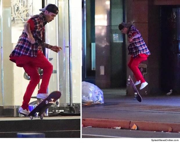 1116-justin-bieber-skateboarding-splash-3