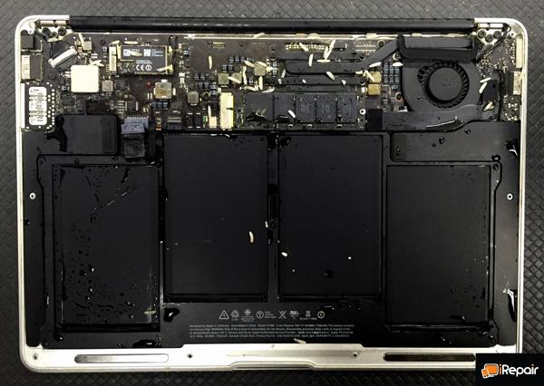 macbook_water_damage_iRepair