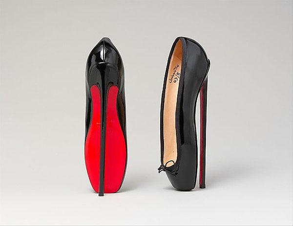 Αυτά είναι 37 από τα πιο περίεργα (επώνυμα) παπούτσια όλων των ... bf520bced32