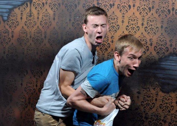 reactions ανθρώπων σε στοιχειωμένα σπίτια