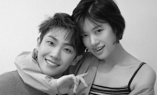 Kpop idols που είναι σε σχέση