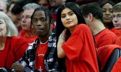 Kylie Jenner φόρεσε δαχτυλίδι με τα αρχικά τουTravis Scott