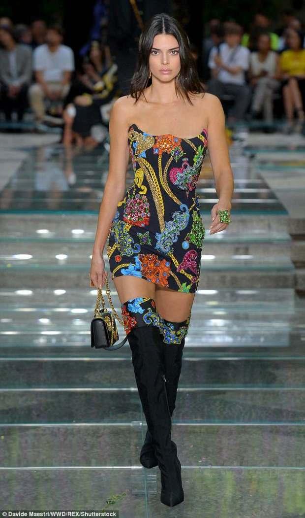 Kendall Jenner στο catwalk μετά από 5 μήνες