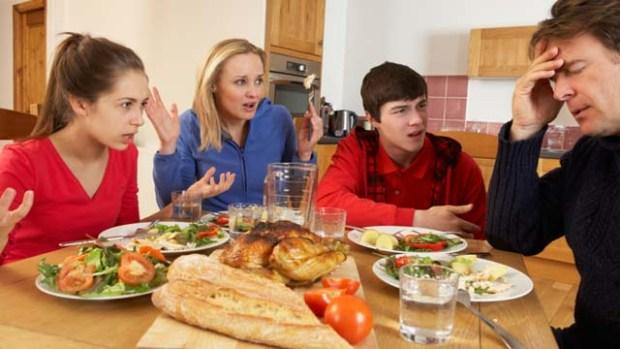 πράγματα που συμβαίνουν σε ΚΑΘΕ οικογένεια