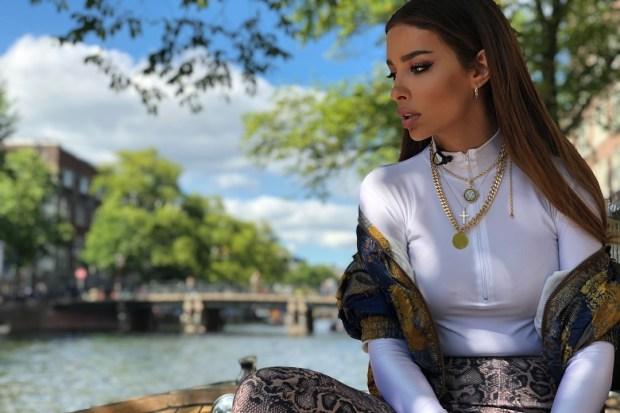 Ελένη Φουρέιρα πρόδωσε το καινούριο της τραγούδι