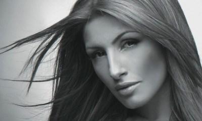 """Έλενα Παπαρίζου έκανε cover το """"Just Walk Away"""""""