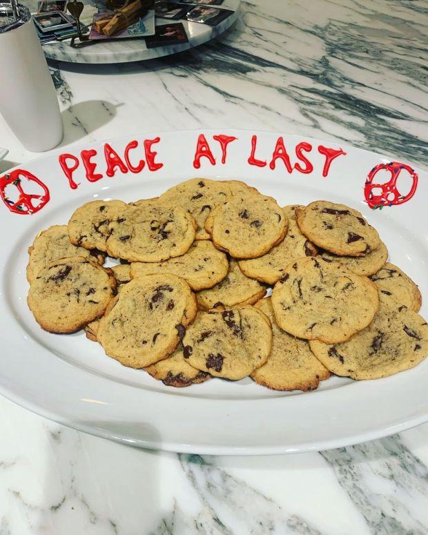 Taylor Swift έφτιαξε μπισκότα συμφιλίωσης για την Katy Perry