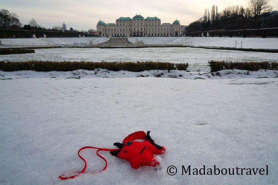 El traveller Dimoni disfrutando de la nieve en el Belvedere