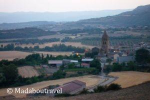 El pueblo de Loarre visto desde el castillo
