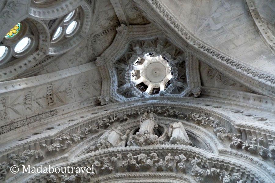 Portal del Rosario de la Sagrada Familia