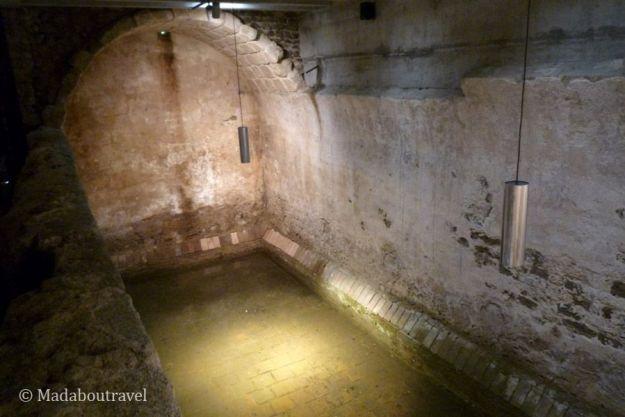 Aljibe del castillo de Montsoriu