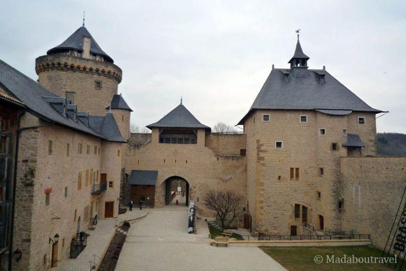 Patio de armas del Castillo de Malbrouck