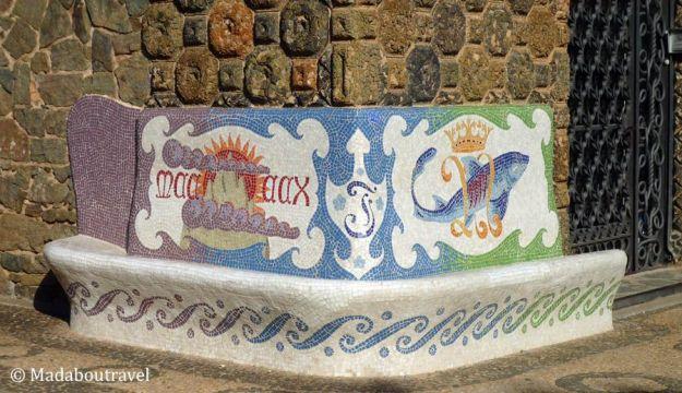 Banco de azulejos en la Torre Bellesguard