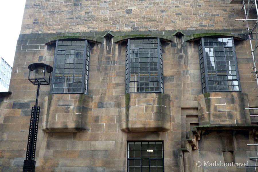 Lateral derecho de la Glasgow School of Art