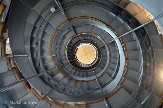 Interior de la escalera de caracol de The Lighthouse