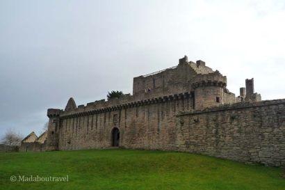 Entrada a la torre fortificada del castillo de Craigmillar