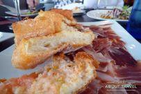Pan con tomate y jamón (del bueno)