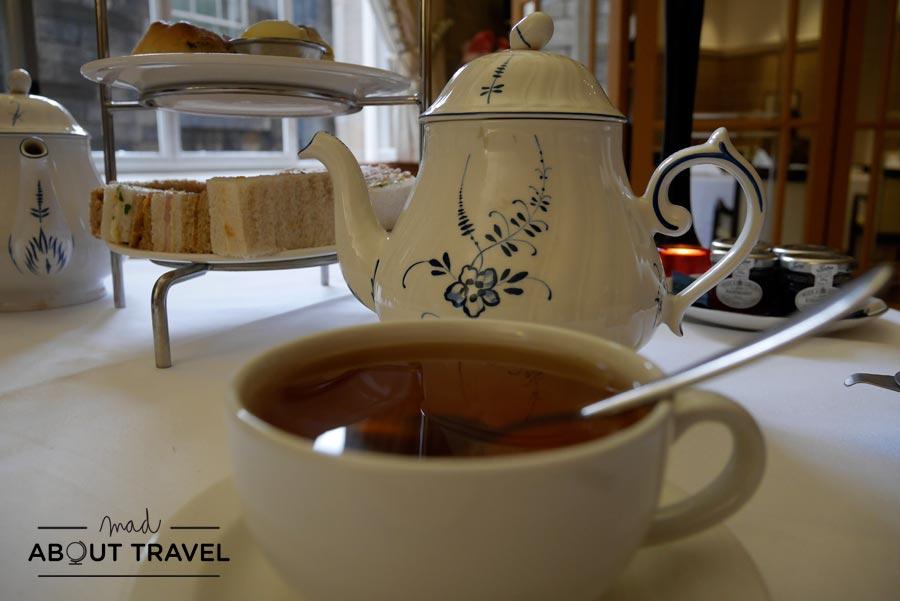 El te de las cinco en el Scotsman Hotel