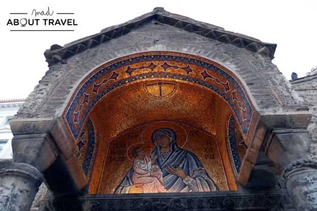 Iglesia ortodoxa en la calle Ermou de Atenas