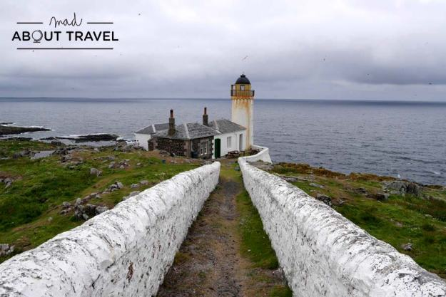 Faro de Low Light en la Isla de May Escocia